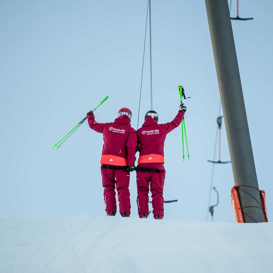 Skilehrer am Lift